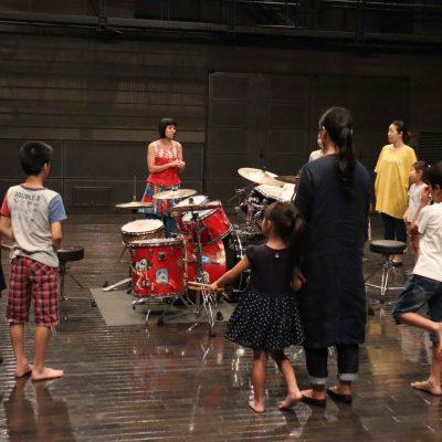 """KAVC Music Line""""STATION""""vol.4 「お母さんとこどものためのドラムワークショップ」を開催しました。"""